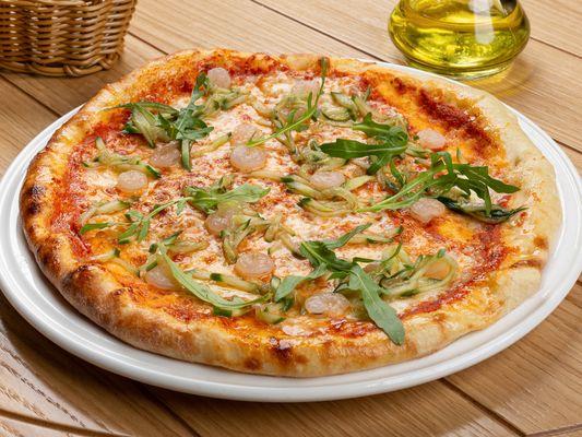 Пицца с креветками и огурцами с терияки