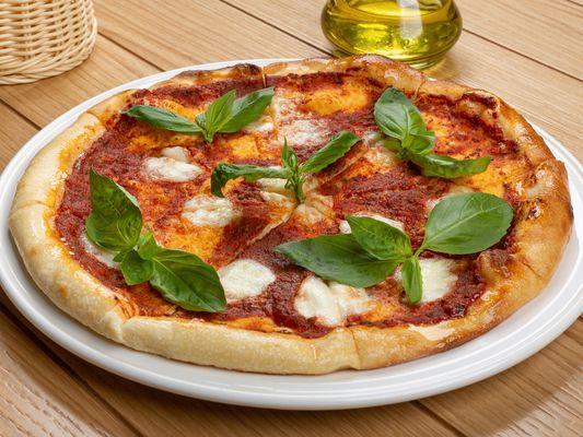 Пицца Маргарита с моцарелой